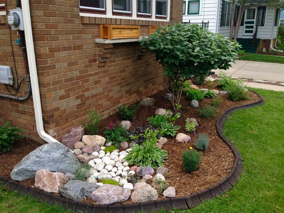 10 EASY WAYS TO CREATE A DRY CREEK BED