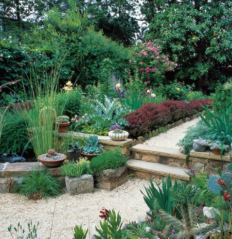7 SIMPLE STEPS TO REMODEL A SMALL GARDEN
